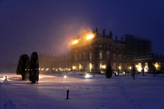 Schneetreiben am Neuen Palais